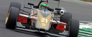 van der Merwe sweeps pole positions at Snetterton