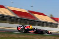 Red Bull's Vettel again tops Barcelona test