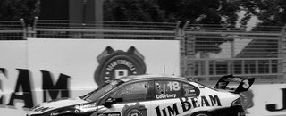 Tander wins Sydney race 1,  Whincup scores crown