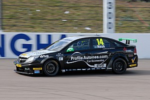 Triple 8 heads to Brands Hatch