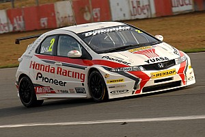 Neal takes crucial pole at Silverstone