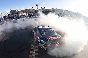 Kasey Kahne gets win for RBRT at Phoenix II