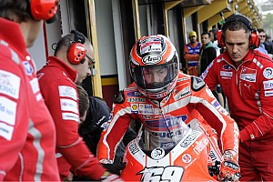 Nicky Hayden faces recovery setback with new injury