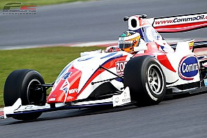 Luciano Bacheta wins thrilling Silverstone opener
