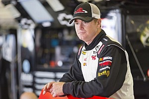 Points leader Timothy Peters outlasts Ron Hornaday for Iowa win
