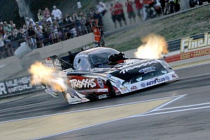 Failing to make Saturday gains, John Force Racing looking for Sunday wins