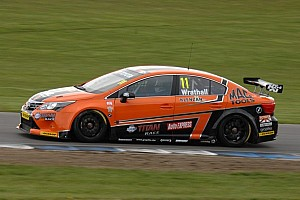 Wrathall takes his maiden pole at Snetterton