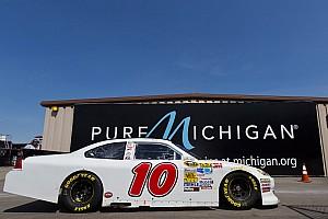 David Reutimann scores top-25 finish at Michigan