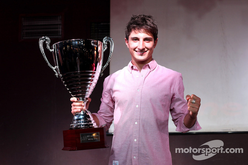 Pirelli presents prize to GP3 winner