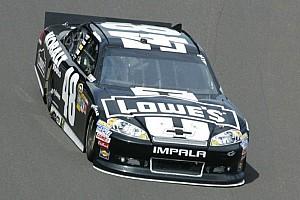 Johnson puts Hendrick Motorsports Chevrolet on Chicagoland pole