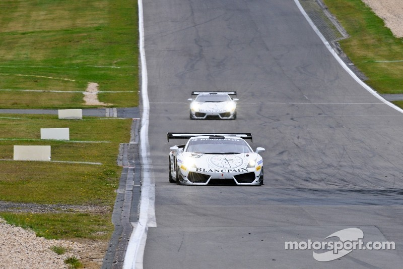 Reiter Lamborghini gate-crashes the party at the 'Ring