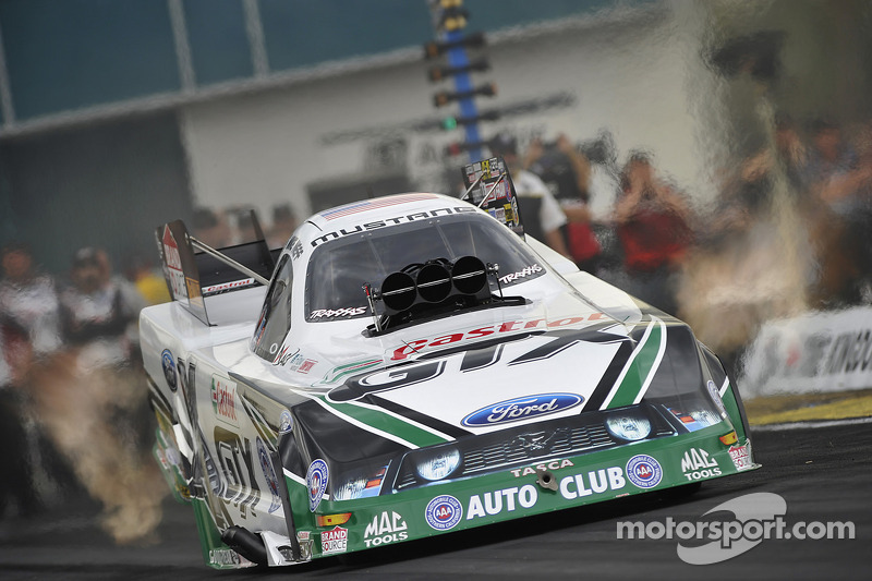 Neff holds on points position at the AAA Texas NHRA