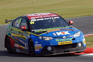 Plato halves Shedden's lead after Silverstone double