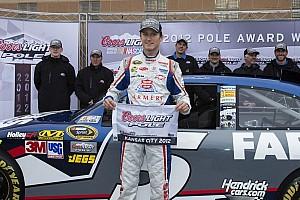 Kahne blazes to pole at repaved Kansas Speedway
