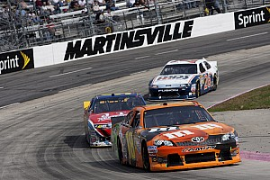 Kyle Busch just misses win in Martinsville 500