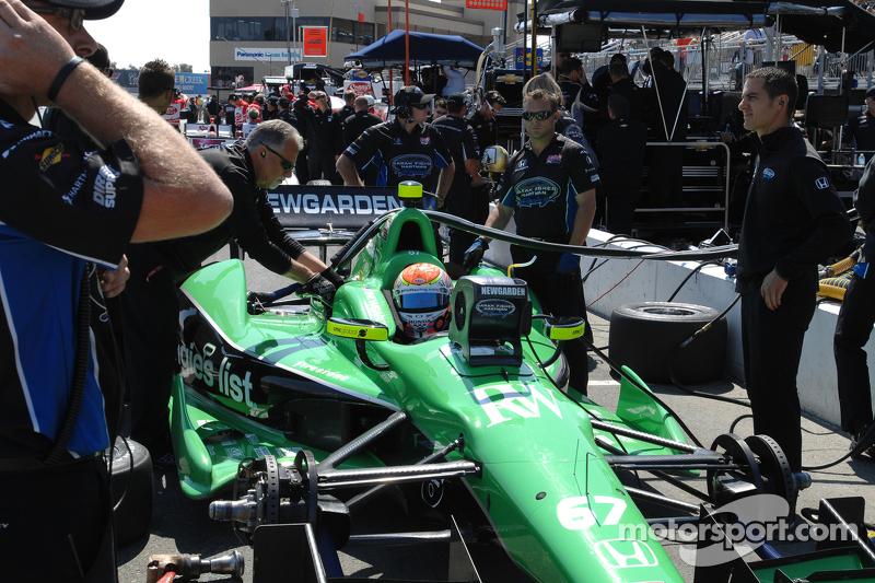 Sarah Fisher Hartman Racing renews technical partnership with Quaker for 2013