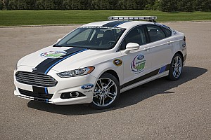 New 2013 Ford Fusion Titanium to pace Homestead 400