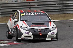 Tiago Monteiro at the wheel of the Honda Civic for season finale in Macau