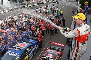 Lowndes wins entertaining first race in Sydney 500