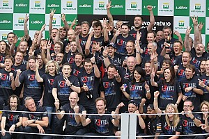 Horner pleased with Red Bull Racing's 2012 commitment