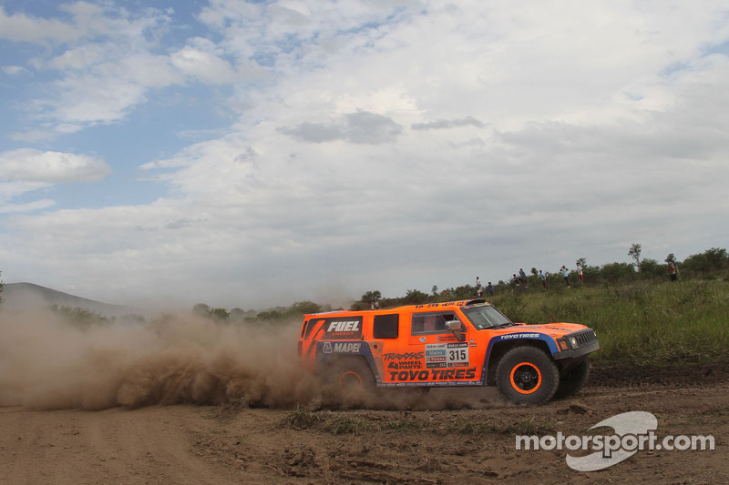 Gordon places Hummer on fourth on stage 9