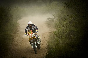 Americans triumph in mudded, flooded stage 11