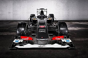 Sauber reveals the dynamic look of their C32 in Switzerland