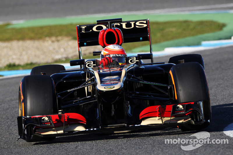 Lotus E21 took to the track for the first time with Grosjean