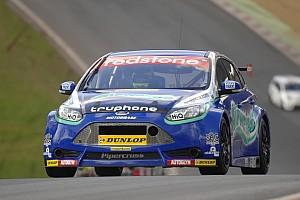 Airwaves Racing endure tough season opener at Brands Hatch
