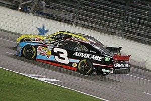 Dillon drives his No. 3 Chevrolet to a third-place finish at Texas Motor Speedway