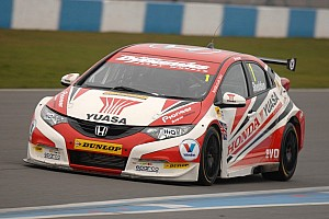Shedden lands his first pole since 2011 season at Donington Park