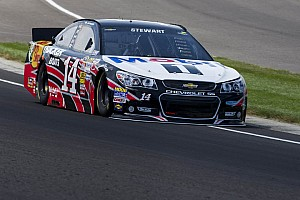 Stewart uses teamwork to overcome penalty, finish ninth at Pocono