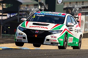 Tarquini victory seals world championship title for Honda Civic