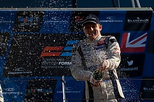 King reigns in Germany with Nurburgring victory