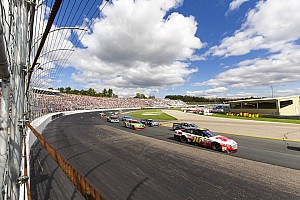 Biffle's late surge breathes life into championship hopes