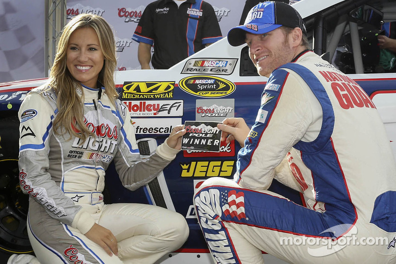 Earnhardt starts Dover weekend with pole