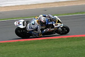 Melandri and BMW leave it late to head first qualifying in Monterey