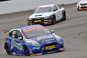 Double delight for Airwaves Racing at Silverstone