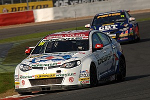 Plato takes pole as Neal crashes out at Brands Hatch