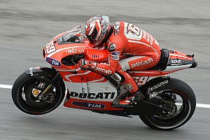 Ducati Team struggles with windy conditions at Phillip Island