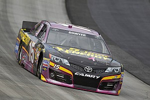 Clint Bowyer heads to Martinsville