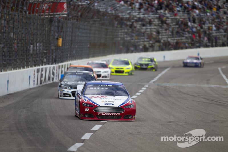 Penske Racing: Tough in Texas