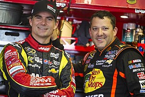 Stewart to appear on cover of 2014 NASCAR video game