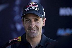 Whincup grabs pole in Sydney