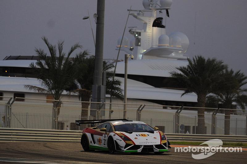 24h Dubai: Very successful season opener for rhino's Leipert Motorsport in the desert of Dubai