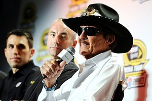 Danica cannot win with other cars on track - Richard Petty
