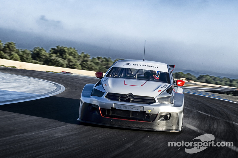 Citroën sets the pace in official test