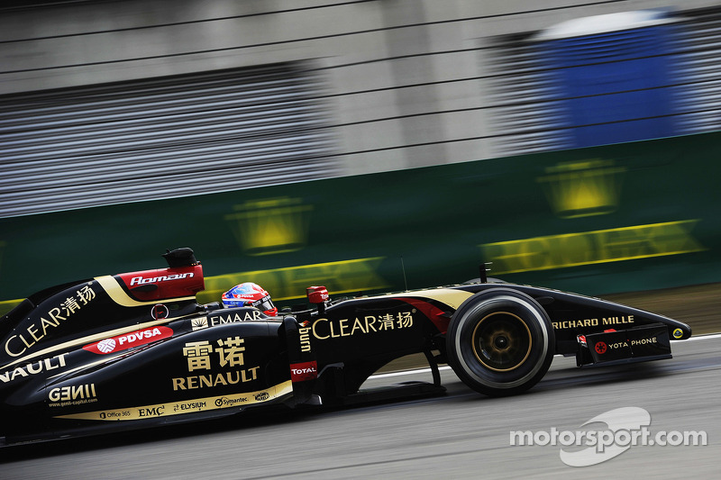 Lotus wants engine equality with Red Bull