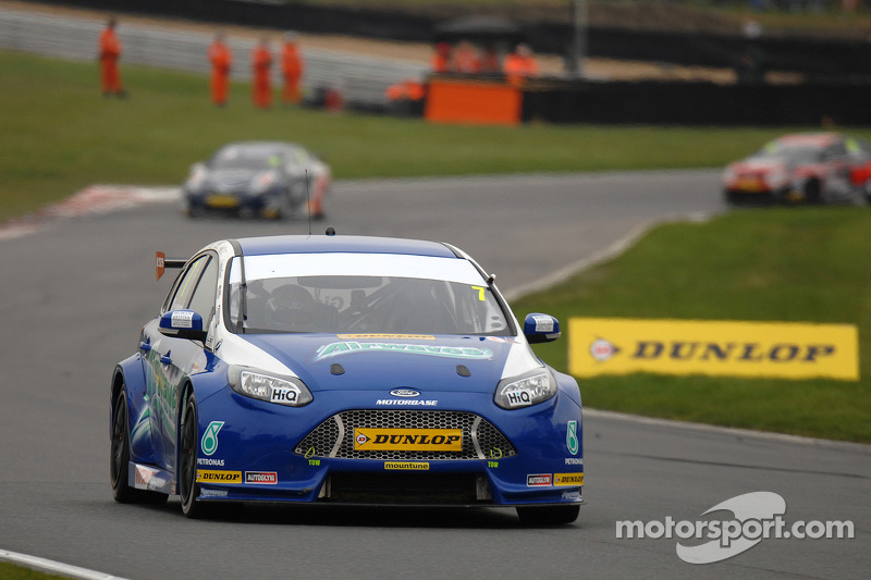 Trio of top ten's for Airwaves Racing at Donington Park