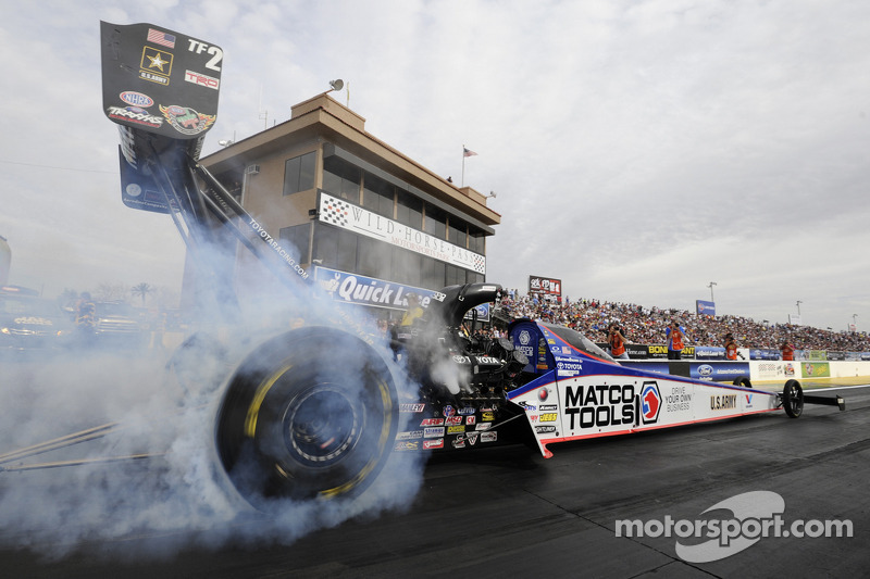 Antron Brown eager to get more points in NHRA SpringNationals